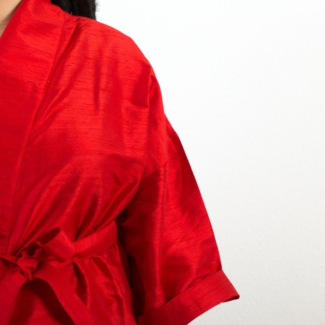 Dupionseide in Rot | Credits: KimonoManufaktur