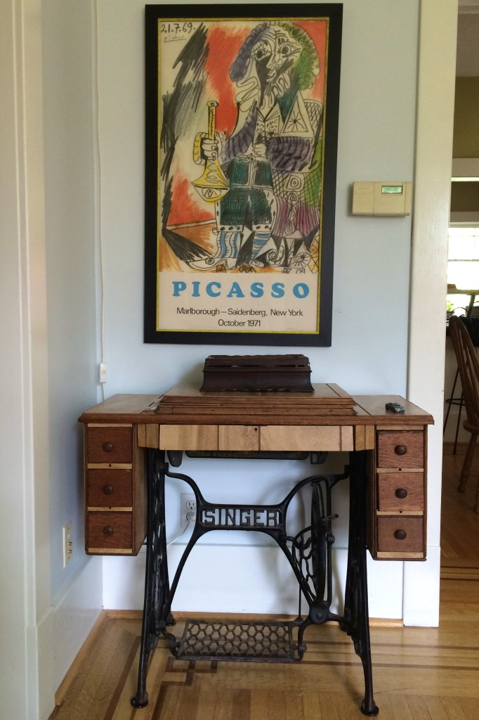 image of vintage Singer sewing machine
