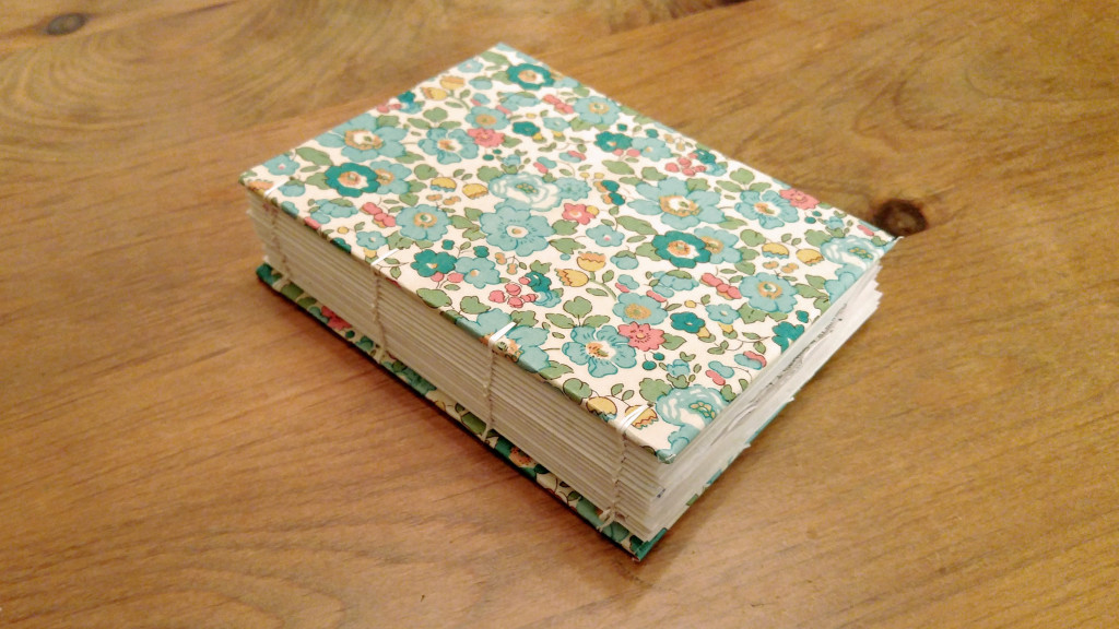 Beginner bookbinding resources, links & video – coptic stitch for #FirstTimeMake