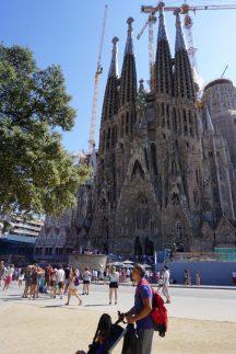 Sagrada Familia mit Fußgängerzone