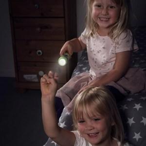 taschenlampe fuer kinder test geeignet spielen licht lampe
