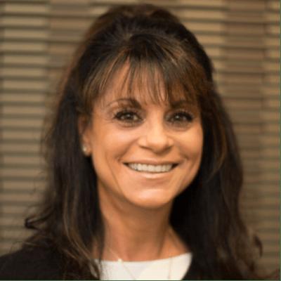 Lana – O.R. Scheduling Finance Coordinator kindersmiles