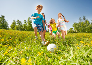 Ballspiele  KinderspieleWeltde