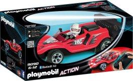 Die neuen Pisten-Stars von PLAYMOBIL bringen rasante Action ins Kinderzimmer. Dabei sorgt die Fernsteuerung via Bluetooth für authentischen Fahrspaß. Ob über die enthaltene 2,4 GHz-Fernbedienung oder die gratis erhältliche Fernsteuerungs-App, die RC-Racer flitzen bis zu 10 Meter weit. (Bild Playmobil)