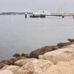 mit Steinen befestigt - Mönkeberger Strand