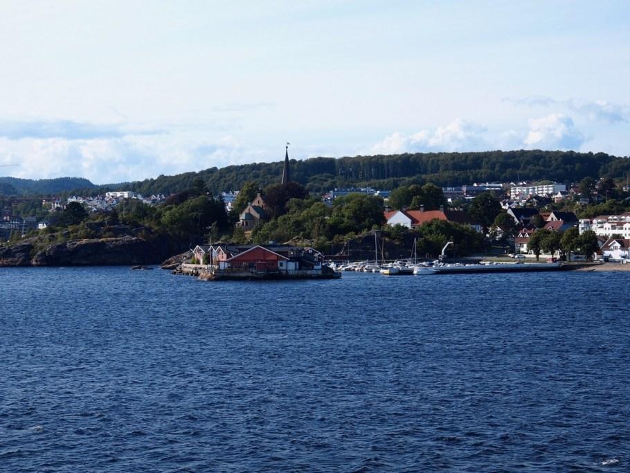 Ausblick von der Fähre auf Larvik