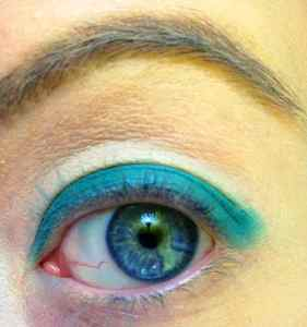 Gold & Turquoise Eye Makeup