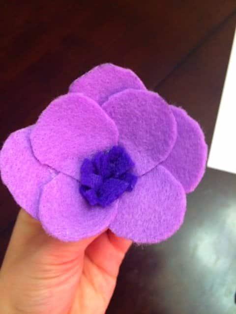 Colorful Spring Felt Flower Wreath DIY