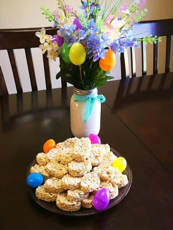 Easter Egg Rice Krispy Treats (5)