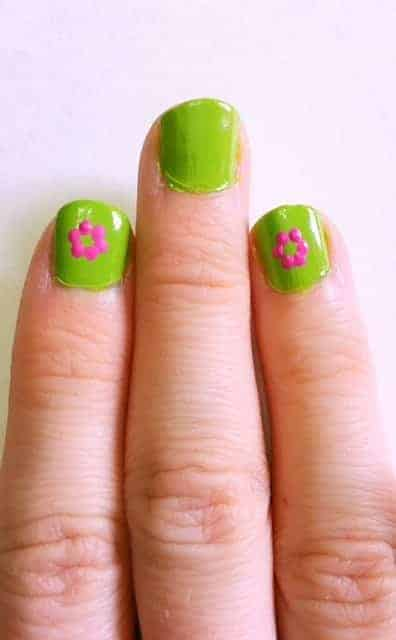 DIY Spring Flower Nails