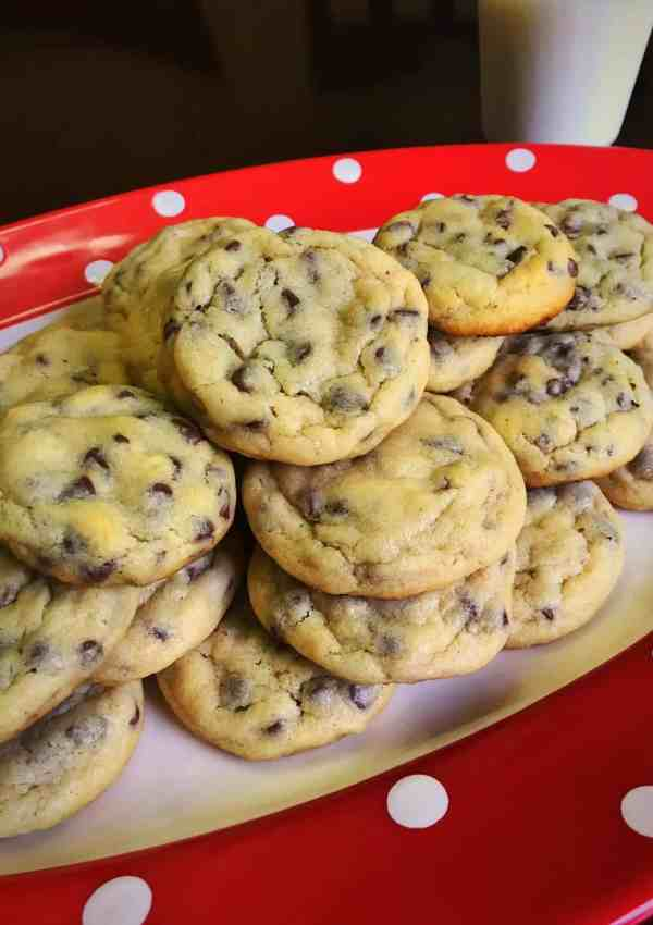 Mom's Famous Chocolate Chip Cookies Recipe