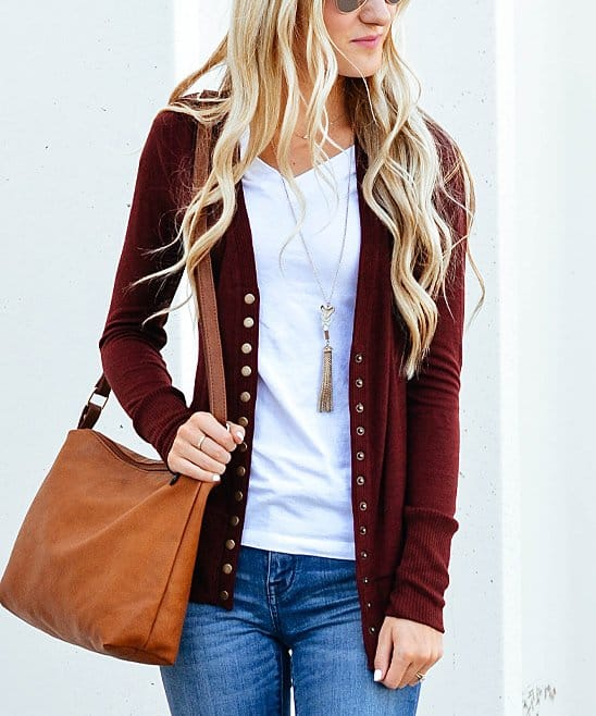 The Best Daily Deal Boutique Websites- If you love scoring cute boutique items, but don't want to pay full price, then you'll love these amazing daily deal boutique websites! Shop to find the latest fashions at deep discounts to keep more money in your wallet!