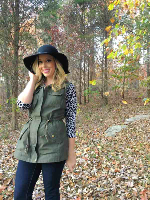 3-ways-to-style-a-utility-vest-for-fall-14