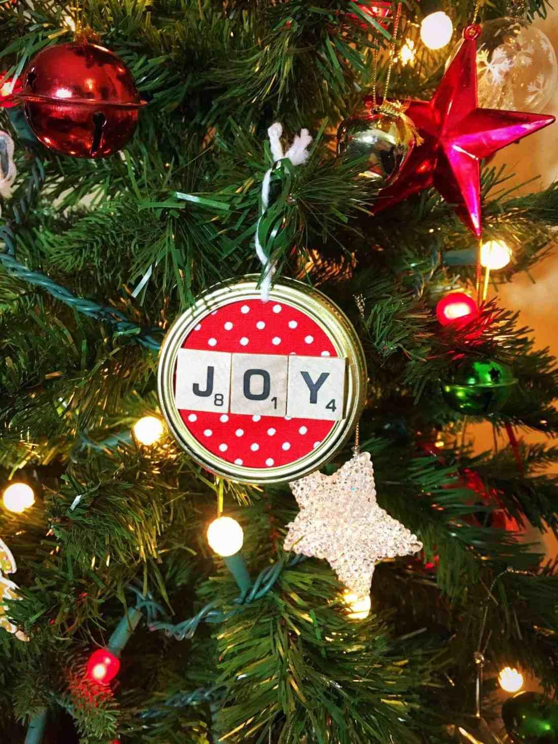 DIY Scrabble Mason Jar Lid Christmas Ornament