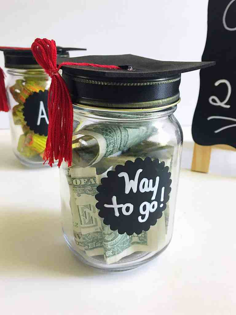 DIY Graduation Cap Mason Jars- The perfect gift for your graduate!