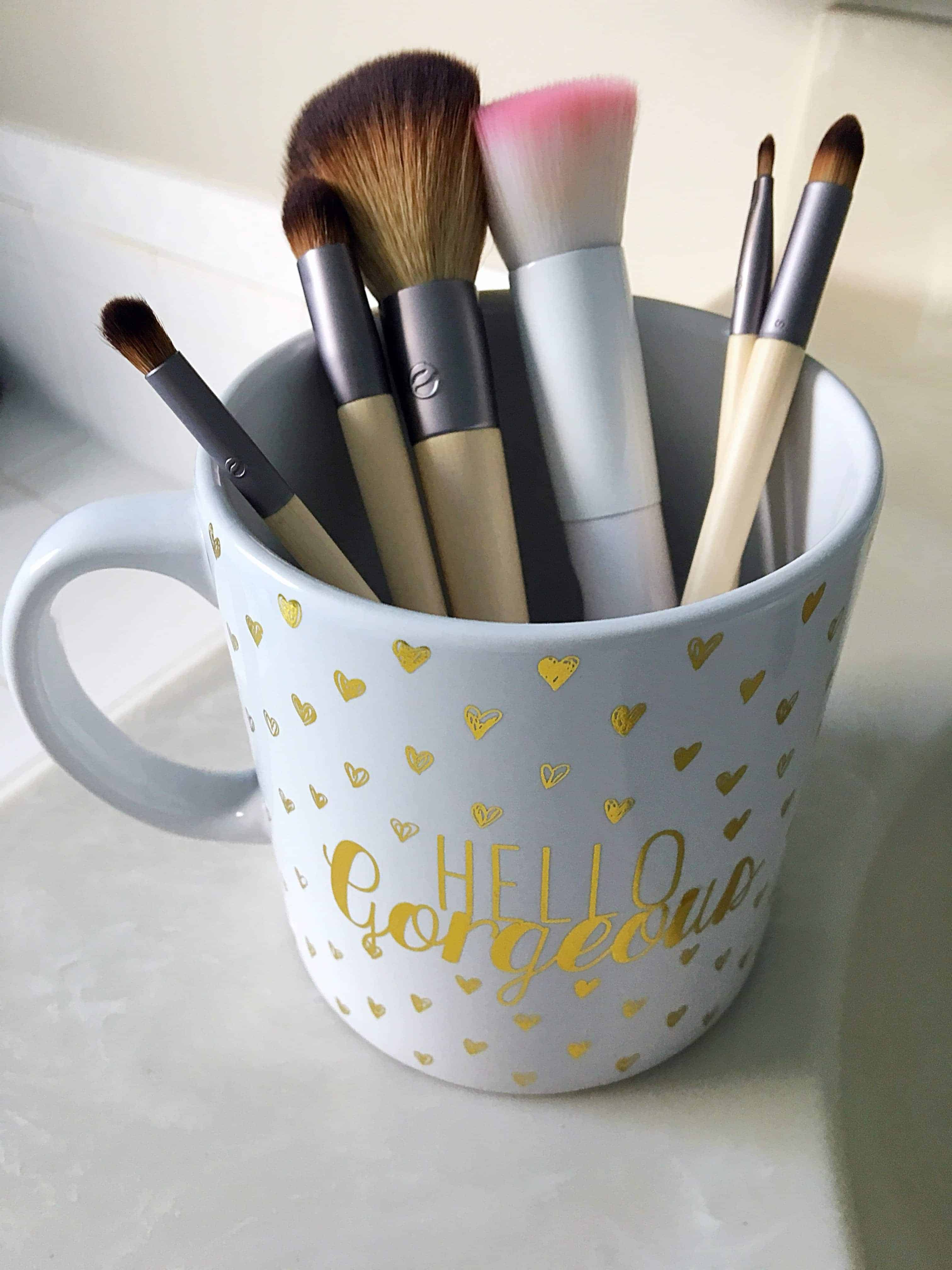 How to Best Clean Makeup Brushes