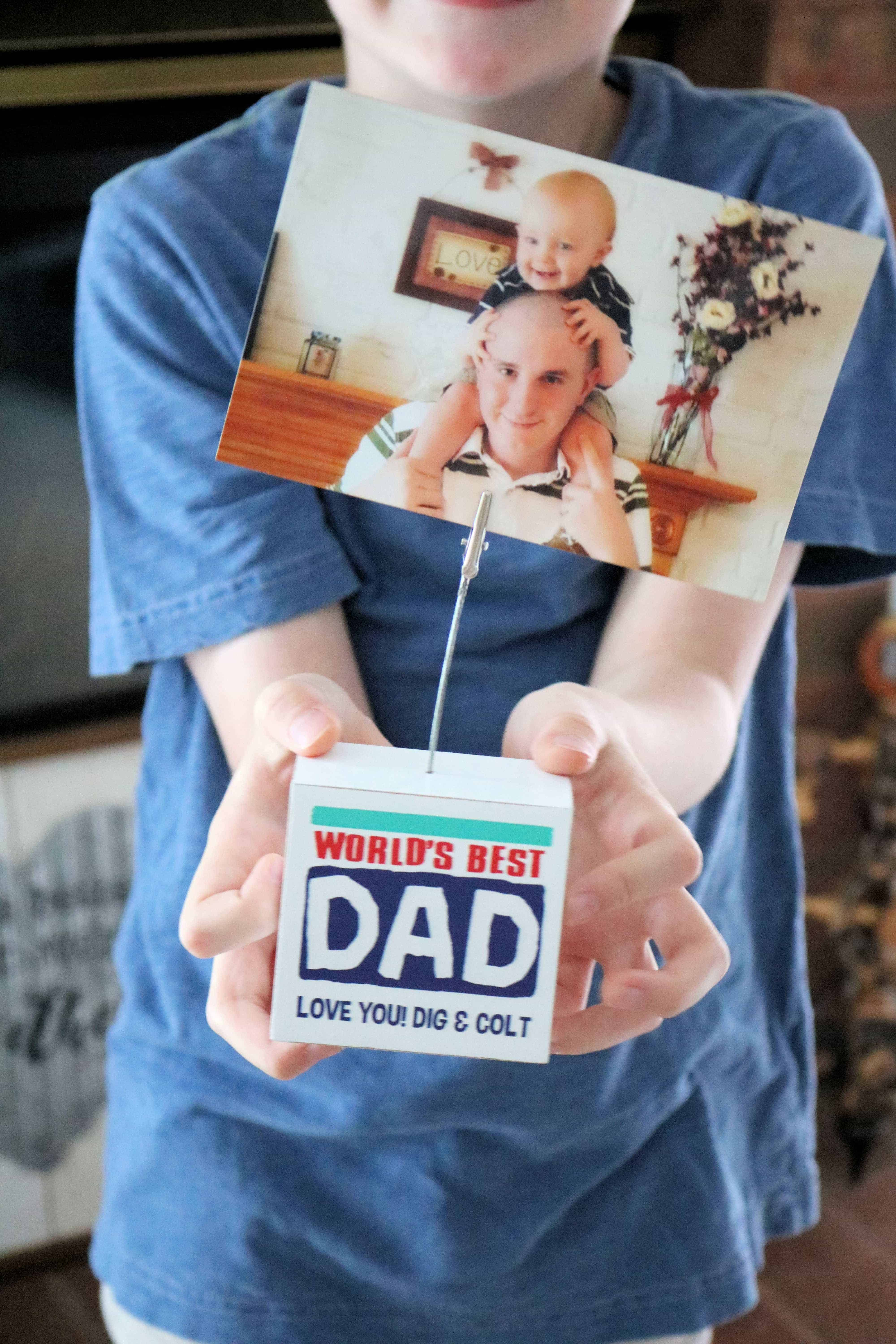 Looking for the best Father's Day gifts? Check out these cute and unique personalized Father's Day gift ideas that dad will love! #ad #personalizedmall #fathersday