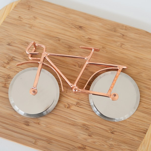COPPER BIKE PIZZA CUTTER