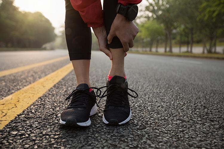 Stopy nadwyrężenia łydki u biegaczy
