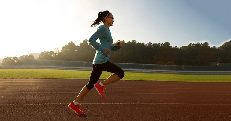 how to pick your feet up when running - fixing a lazy heel lift