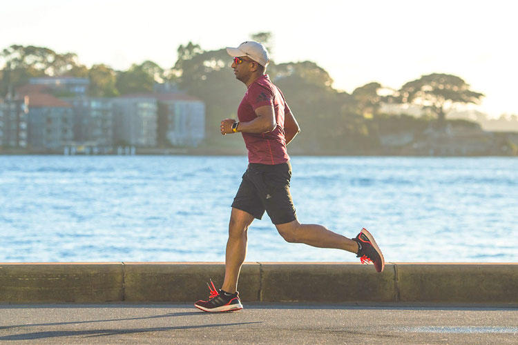 How long does runners knee take to heal?