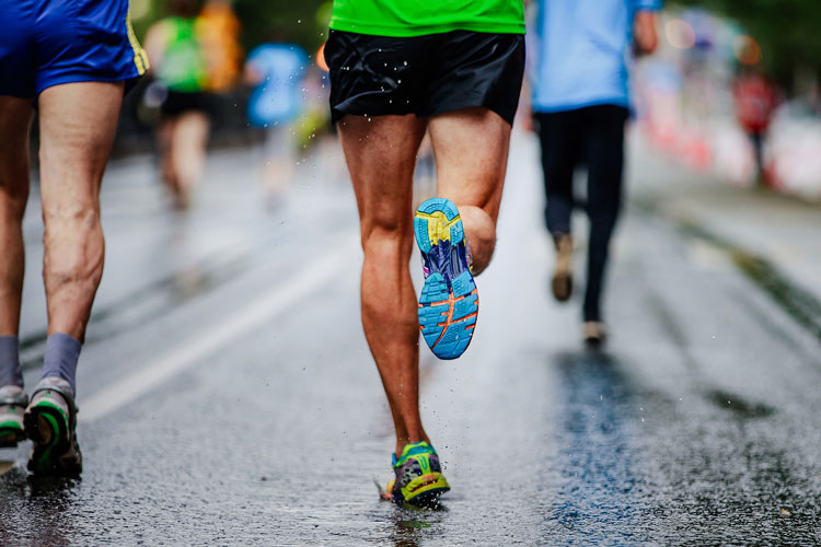 Is Forefoot Running Better for Your Knees?
