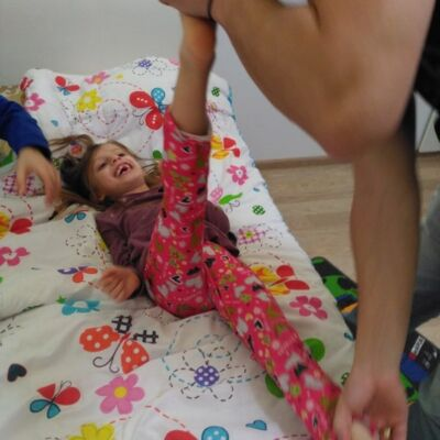 Kinetoterapie la domiciliu si recuperare medicala bebelusi