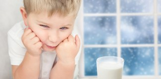 Can toddler drink milk when diarrhea?