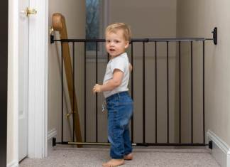 Easyas  Do It Yourself:BabyGateIdeasforStairs