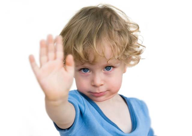 Why Toddlers Keep Saying No And How To Deal With It