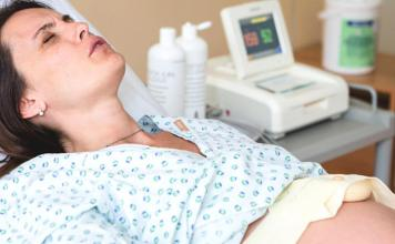 The Pros and Cons of Having An Epidural and Its Risks