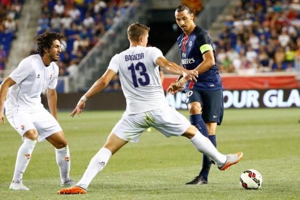 Ahmed Hegazy - Fiorentina vs PSG - Zlatan Ibrahimovic