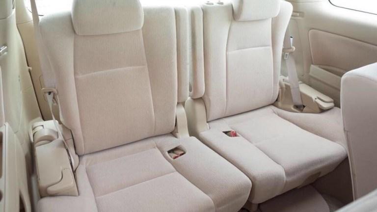 Babuu-Taxi-Services-interior-2