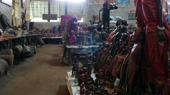 Malindi-Shopping-Curio-shop Malindi Shopping e Fabrica di Legno