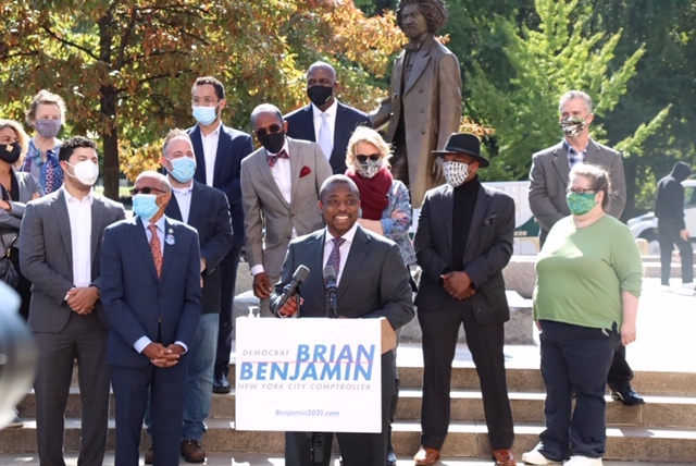 State Sen. and Comptroller Candidate Brian Benjamin with supporters. Photo from his campaign.
