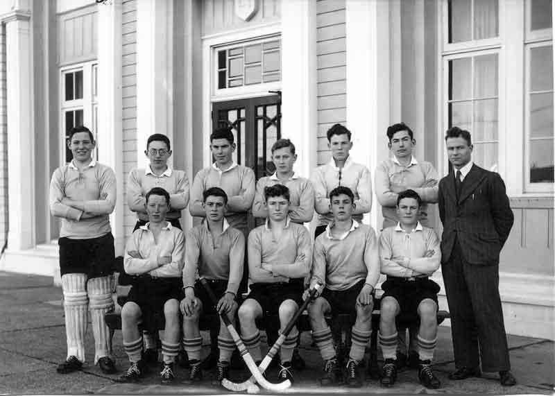 1947---Hockey-1st-Eleven