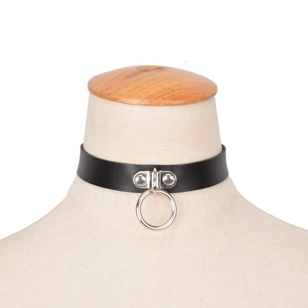 black leather collar with riveted ring