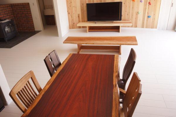 天然木一枚板家具