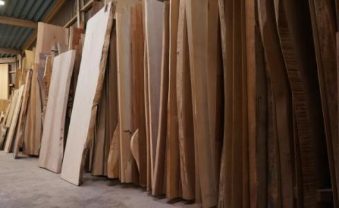 木の一枚板