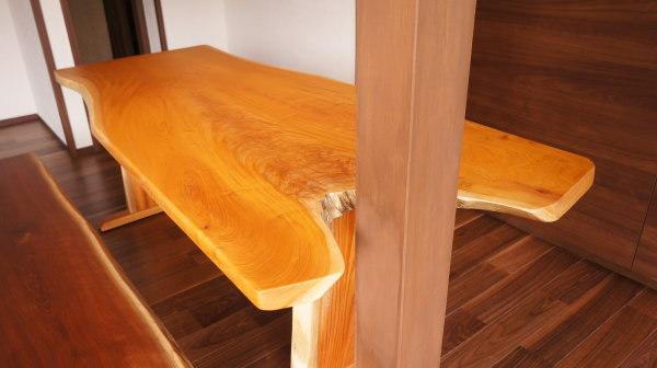 変形一枚板テーブル