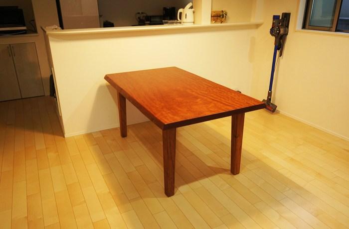 ブビンガ天然木テーブル