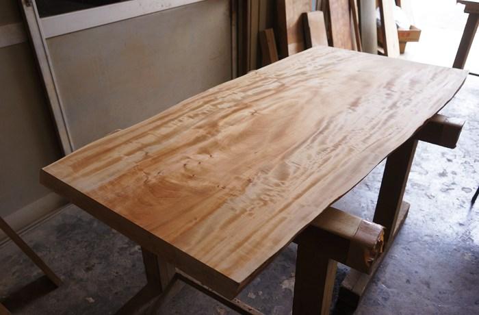 栃の木一枚板テーブル天板