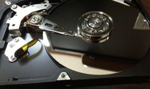 むき出しのハードディスク