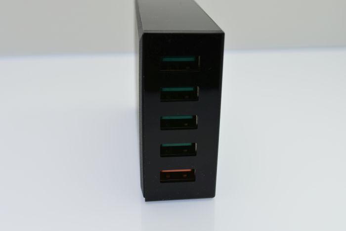 AUKEYの5ポートUSB急速充電器