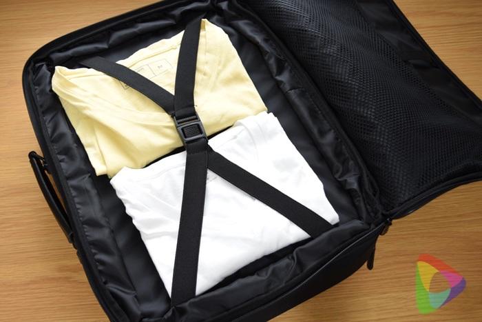 ビジネス出張バッグの荷物