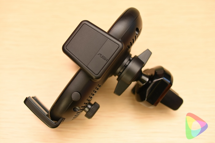 Anker PowerWave 7.5 Car Mount本体側面