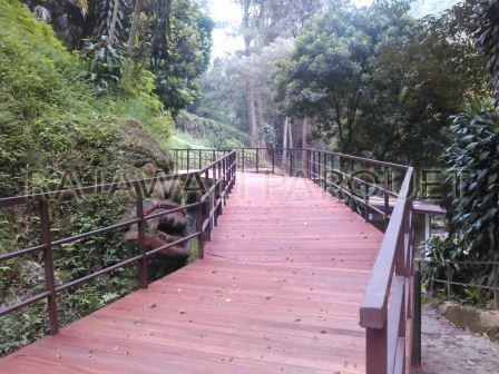 Decking kayu Jembatan