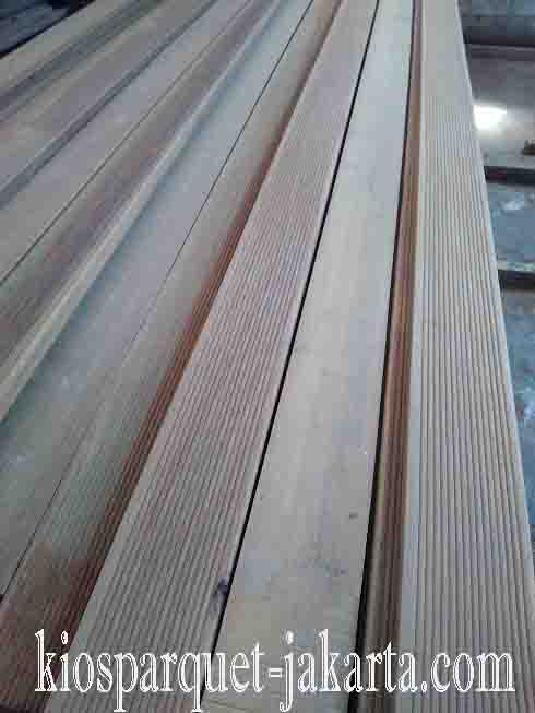 decking kayu ulin2