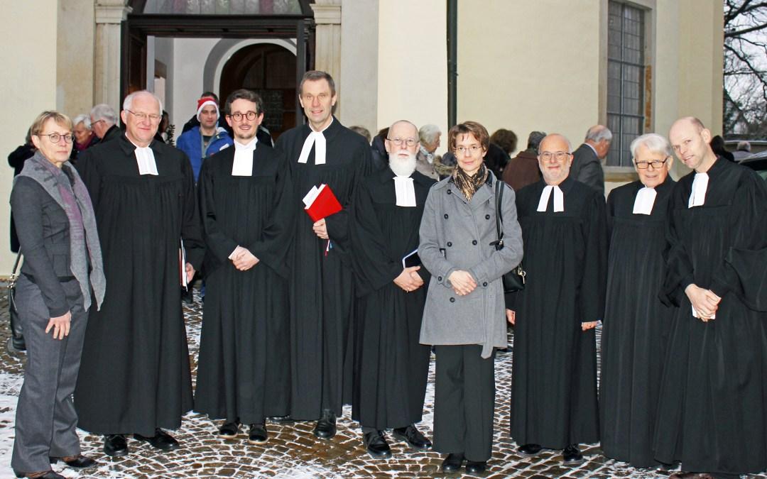 Pfarrer Marc Bergermann von Superintendent Jürgen Tiemann ordiniert