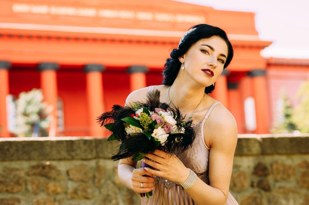 Свадебная фотосессия возле Красного корпуса